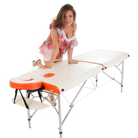 na-massazhnom-stole-foto